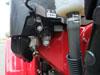 画像7:燃料コックレバーの左側にはエンジンに燃料を送るキャブレターがあり、シーズンオフ時にキャブレター内部の燃料をカンタンに抜き取る事が可能なドレンつまみがございます。